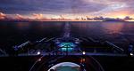 Homepage_queen_elizabeth_deck_at_sea