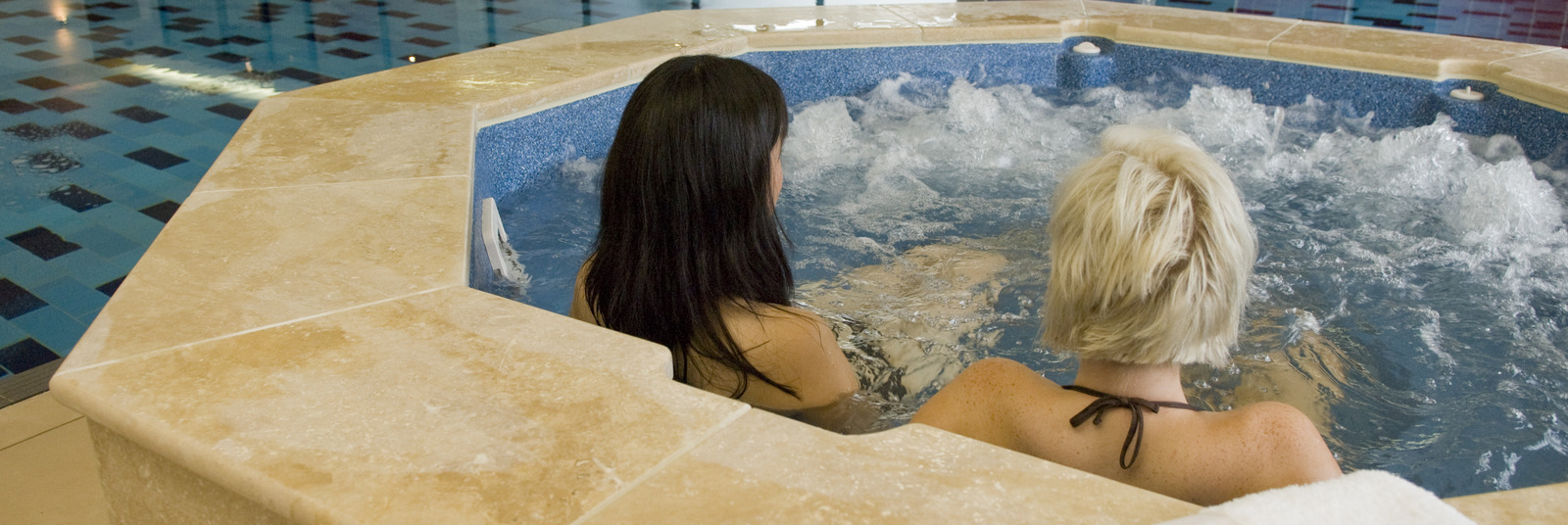 Homepage_large_spa_pool_2014_pic