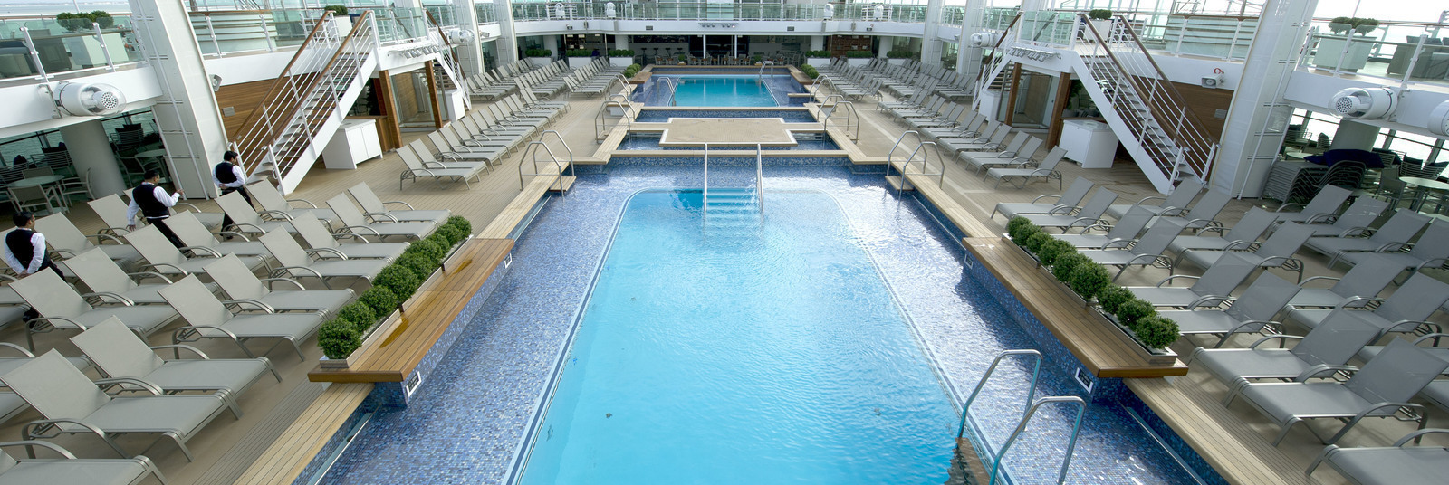 Homepage_large_p_o_cruises_britannia_exterior_lido_pools_ds38674__tif_14714613002_